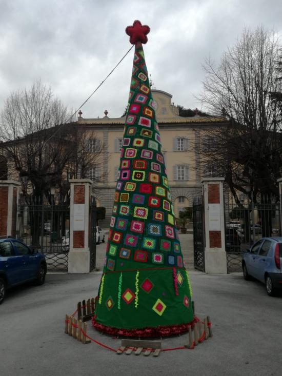 Albero Di Natale Fatto Con Luncinetto Il Primo A San Giuliano